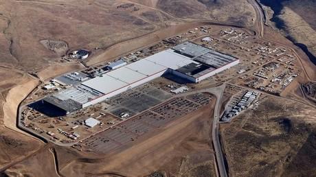Technische Probleme am Tesla-Werk lösen Akkumulatoren-Mangel weltweit aus