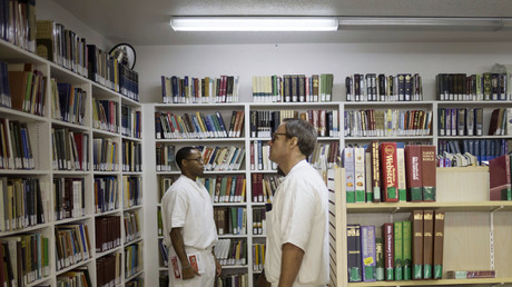 Gefangene in einer Bibliothek im Rosharon-Gefängnis in Texas, USA, 12. August 2014.