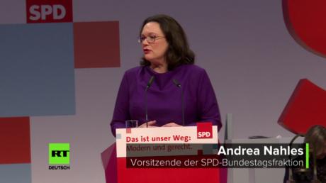 SPD-Fraktionsvorsitzende Andrea Nahles beim Bundesparteitag ihrer Partei (8. Dezember 2017, in Berlin)