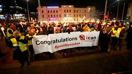 Anlässlich der Verleihung des Friedensnobelpreises versammelten sich am Sonntag ICAN-Unterstützter im norwegischen Oslo.