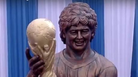 Statue von Diego Maradona in Indien enthüllt: Ähnlichkeit zum Prototyp nicht unumstritten