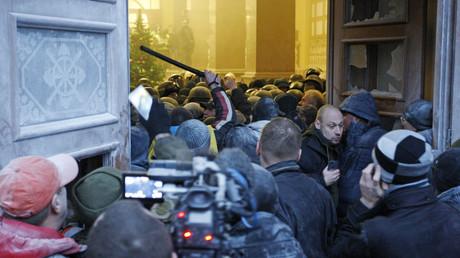 Die Anhänger von Micheil Saakaschwili besetzten am 17. Dezember kurzzeitig das Foyer des