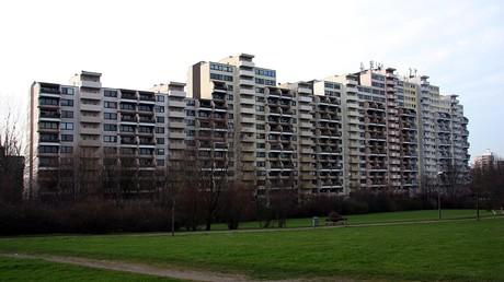Der 16-stöckige Wohnkomplex am Vogelpothsweg in Dortmund-Dorstfeld musste am 21. September geräumt werden. Wann die Bewohner zurückkehren, ist unklar.
