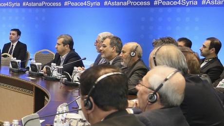 Mitglieder der Delegationen nehmen an den Friedensgesprächen über Syrien in Astana, Kasachstan, am 22. Dezember 2017 teil.