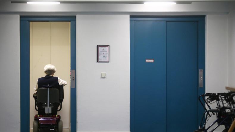 Fahrstuhl des Grauens: Polizeieinsatz nach Schlägerei im Lift eines Seniorenheims