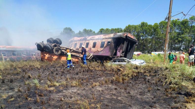 Bahnunglück in Südafrika fordert mindestens zwölf Menschenleben