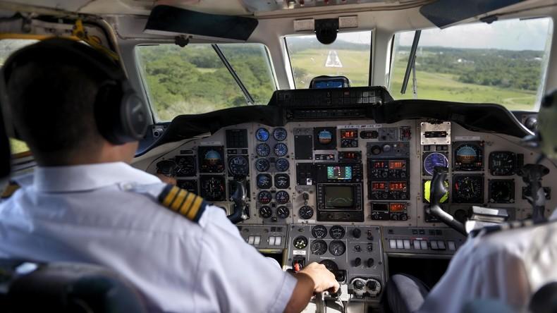Nach Prügel im Cockpit: Indische Piloten müssen am Boden bleiben