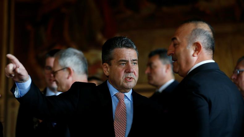 #LIVE - Pressekonferenz Sigmar Gabriel mit Aussenminister Cavusoglu in Goslar