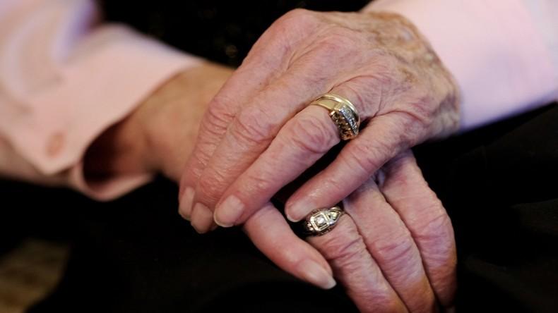 97-Jährige wegen Verschwörungstheorie aus Altersheim entführt