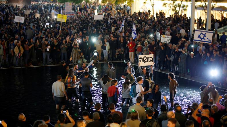 """Massenproteste in Israel: """"Netanjahu, du und deine Regierung sind korrupt"""" [Video]"""