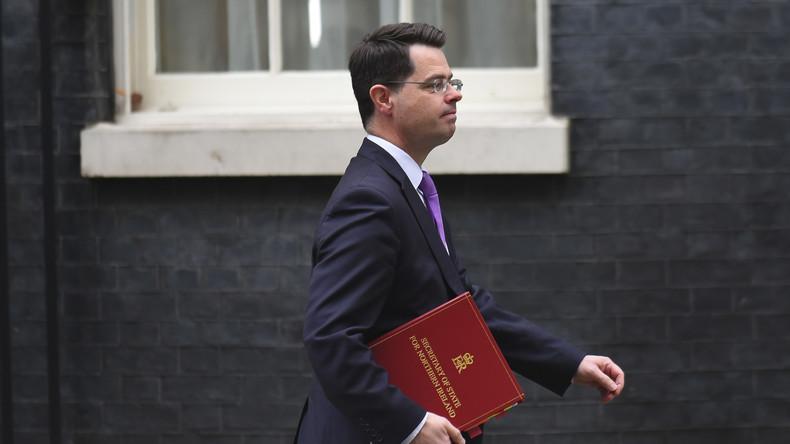 Berichte: Britischer Nordirland-Minister tritt zurück