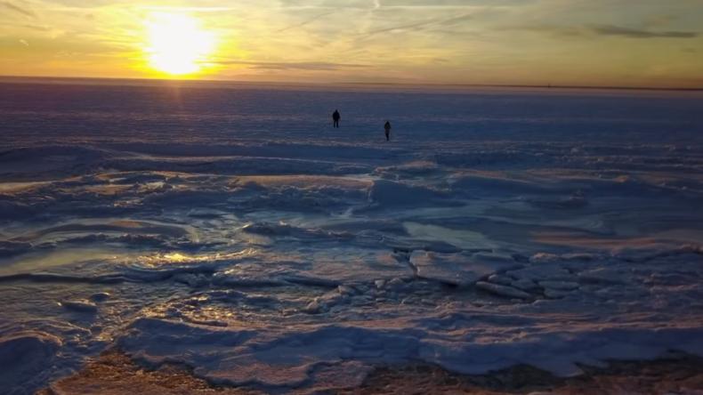 Eiswüste: Bomben-Zyklon lässt Meer in Massachusetts gefrieren