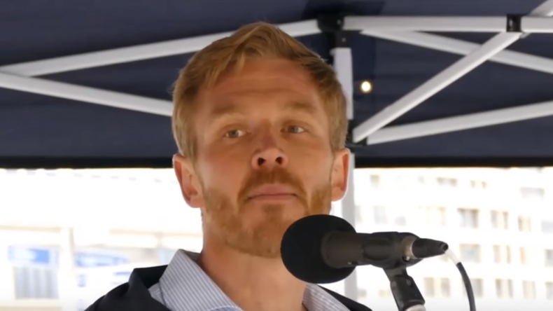 Berliner Lehrer suspendiert: Er soll rechte Verschwörungstheorien verbreiten
