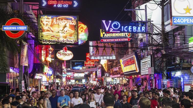 """Thailand: Prostituierte stürzt während """"extravagantem"""" Sex vom Balkon und stirbt"""