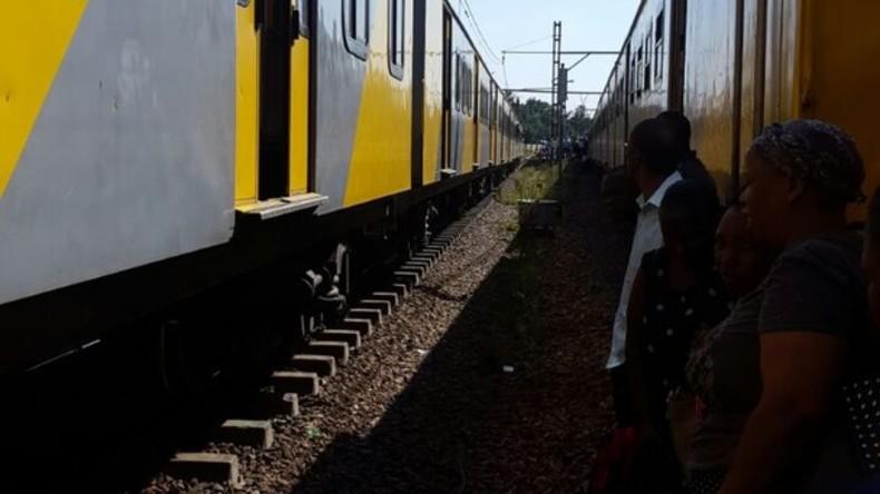 Über 200 Menschen erleiden Verletzungen bei Zugunglück in Südafrika
