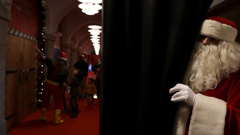 Kindertraum wird zum Trauma: Verkäuferin klärt Mädchen über Weihnachtsmann auf und verliert Job