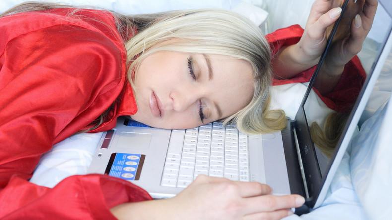 Im Büro schlafen und abkassieren: TUI bietet Faulpelzen einen Traumjob an