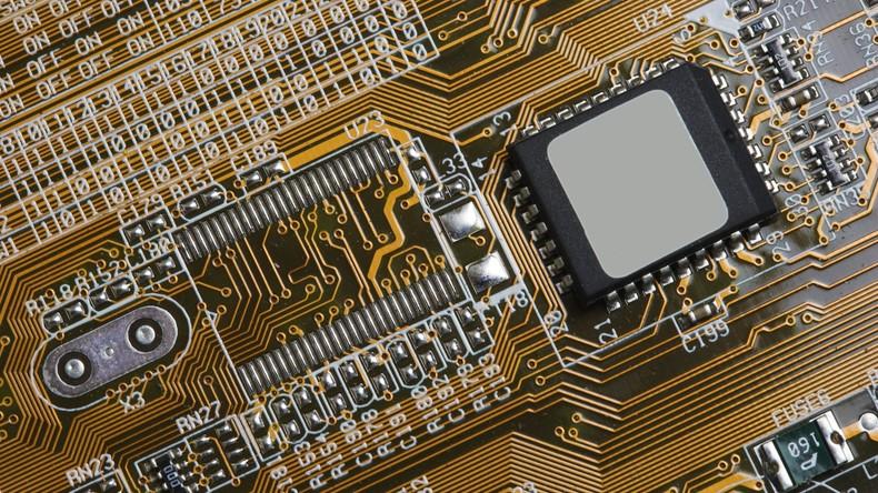 Neue Anwendung alter Computer erfunden: Elektronikhersteller verwandelt Hauptplatinen in Schmuck
