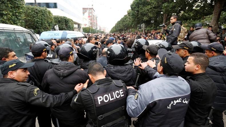 Doppelmoral: Wenig Aufmerksamkeit in westlichen Medien für Massen-Proteste in Tunesien