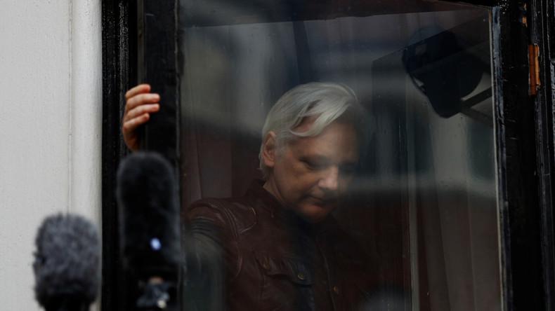 LIVE - Julian Assange auf dem Weg in die Freiheit?