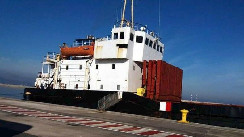 Griechische Küstenwache stellt über 400 Tonnen Sprengstoff auf Frachter sicher