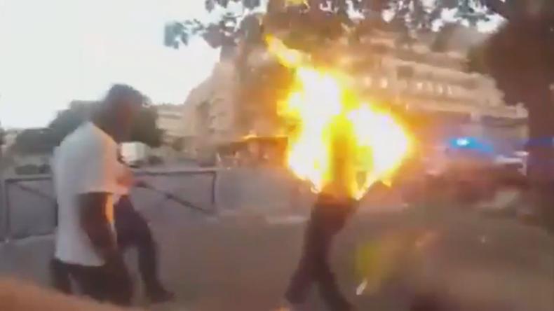 Polizei tasert Mann und besprüht ihn mit Tränengas - Mischung lässt ihn in Flammen aufgehen