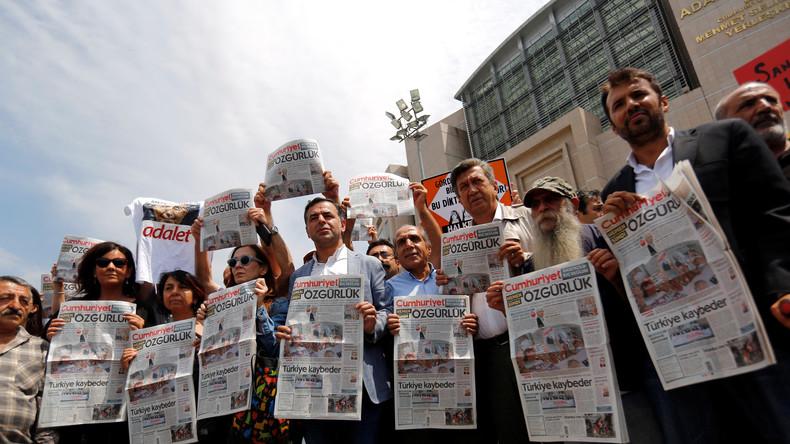 Türkisches Verfassungsgericht ordnet Entlassung von Journalisten an