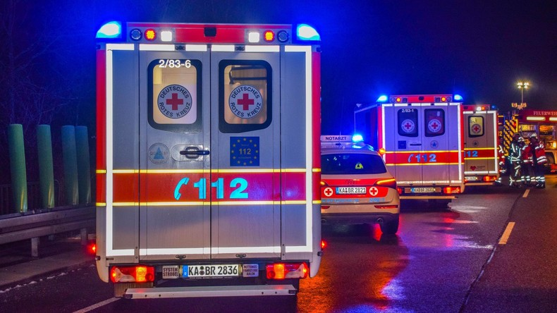 Drei Jugendliche sterben in Niedersachsen bei illegalen Autotouren
