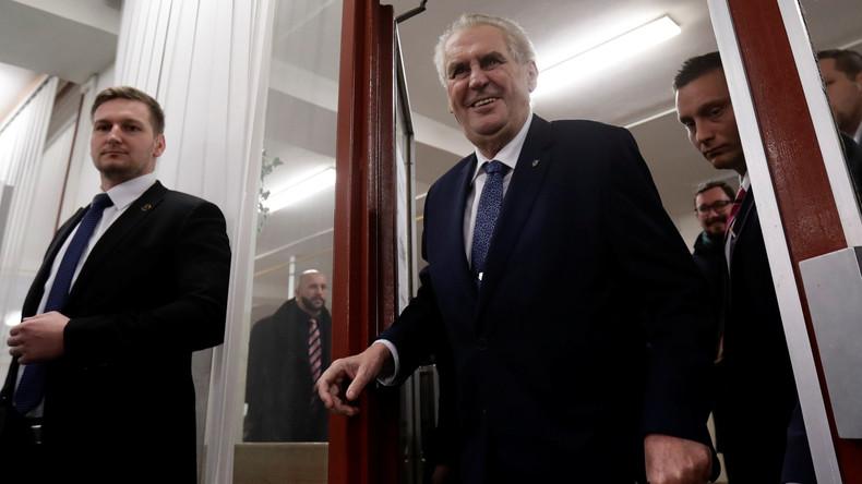 Präsidentenwahl in Tschechien beendet  – Zeman liegt mit Abstand vorn