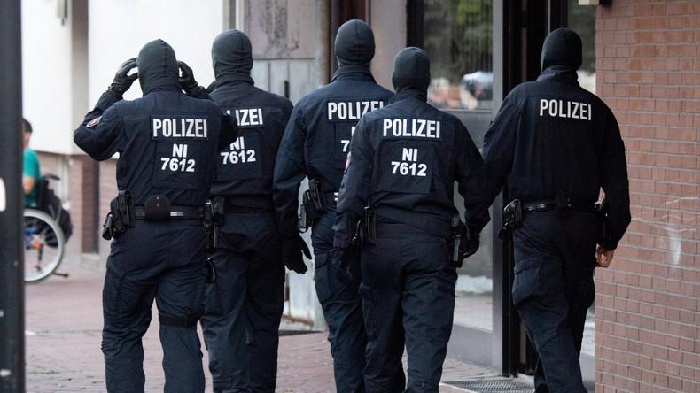 Gleich vier Übergriffe auf Polizisten in Regensburg - zwei Verletzte