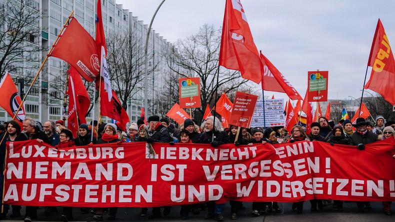 Linke geeint bei Gedenken an Liebknecht und Luxemburg- Tausende marschieren in Berlin