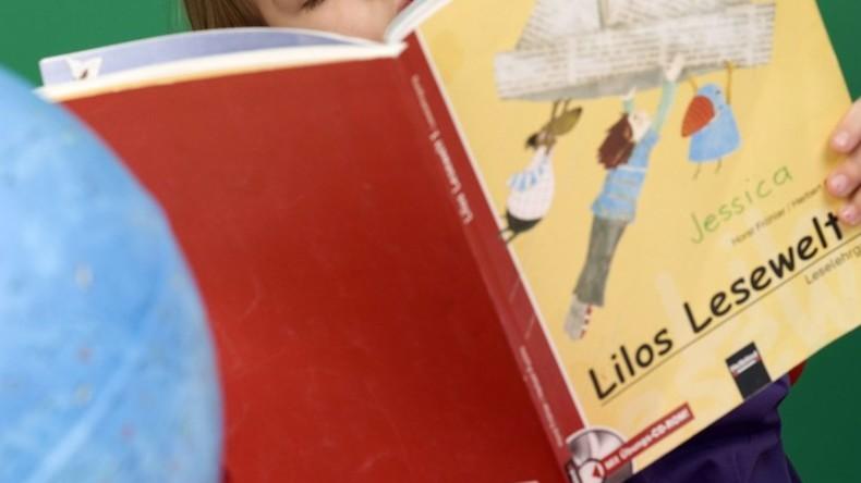 Gerichtsbeschluss: Jobcenter muss bei Hartz IV Schulbücher bezahlen