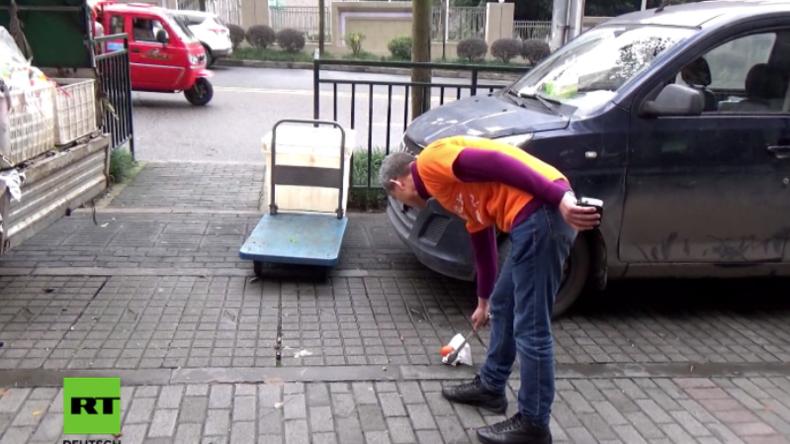 """""""Positive Energie an die Gesellschaft weitergeben"""": Millionär sammelt jeden Tag freiwillig Müll"""
