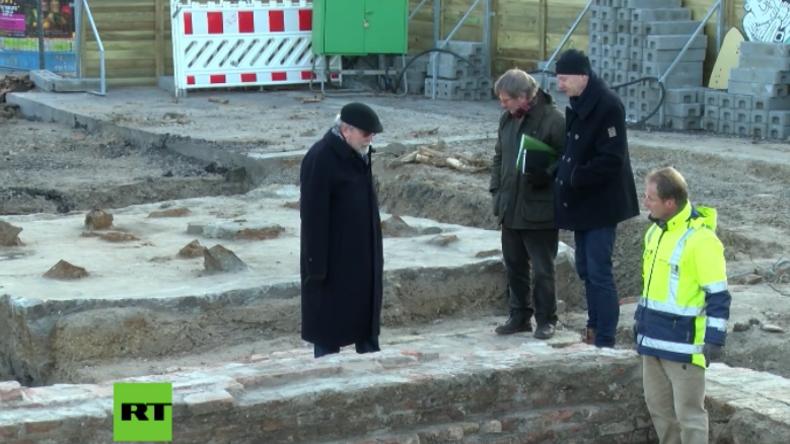 Berlin: Archäologen graben im Mauerpark Fluchttunnel aus der DDR frei