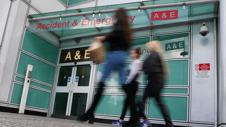 """""""Kriegsähnliche Zustände"""" in Englands Krankenhäusern: Sterben Patienten auf den Fluren?"""