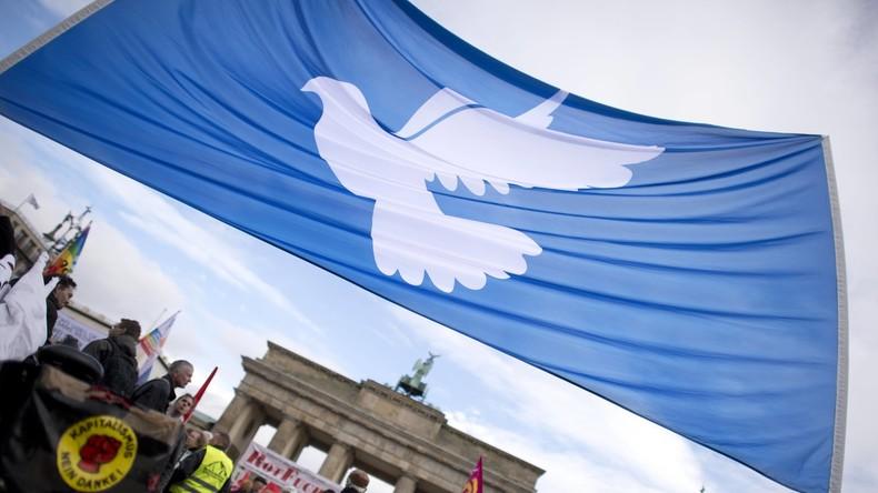Exklusiv-Interview: Zehntausendfacher Protest gegen NATO-Aufrüstung