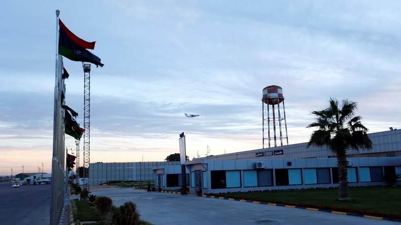 Luftverkehr am Flughafen Tripolis nach schweren Gefechten eingestellt – mindestens 20 Opfer