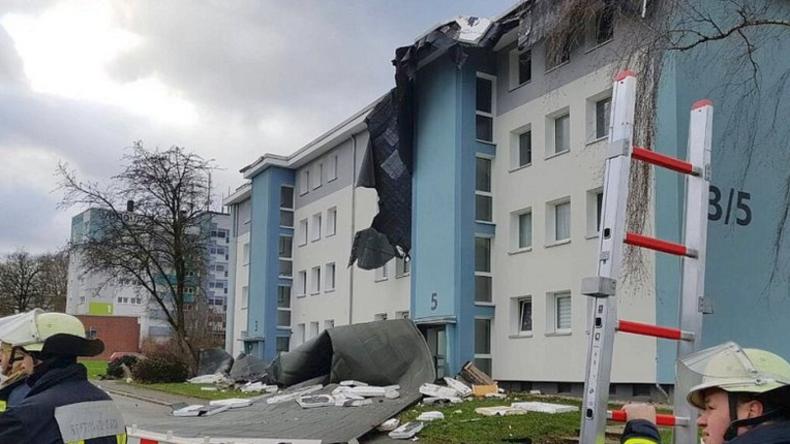 Orkan Friederike erreicht Deutschland und sorgt für spektakuläre Bilder