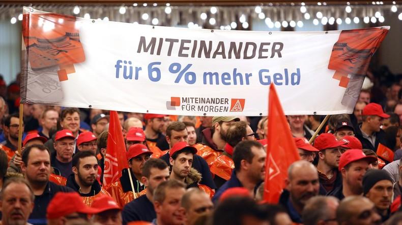 Tarifkonflikt in Metallindustrie: 44.000 Arbeiter beteiligen sich an Warnstreiks