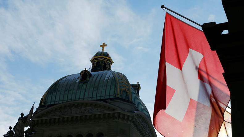 Schweiz: Rechtsnationale SVP will Referendum gegen Immigration [Video]