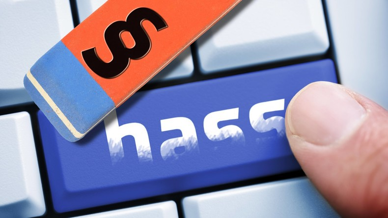 Hass im Netz: Unternehmen steigern Löschquote