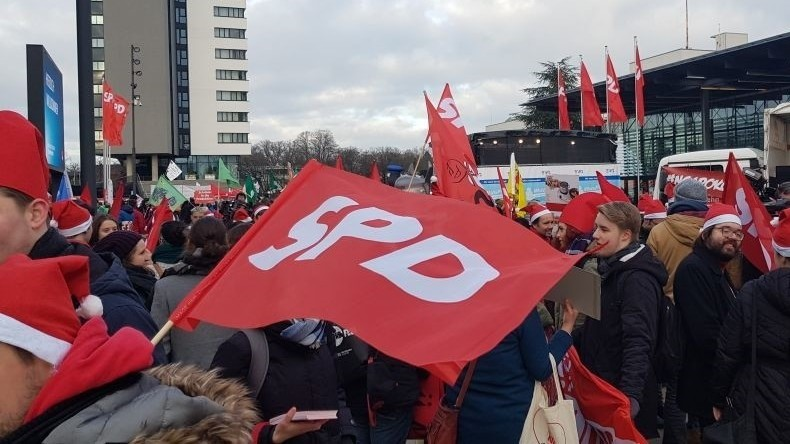 LIVE: SPD-Delegierte entscheiden über Koalitionsgespräche mit Merkels CDU