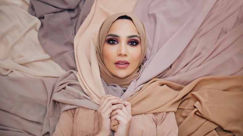 Muslimisches L'Oreal-Model tritt wegen Hetze gegen Israel vom Vertrag zurück