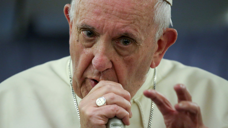"""Papst ruft zum Kampf gegen """"Fake News"""" auf"""