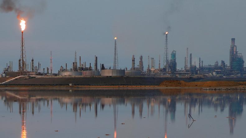 Größte Erdölraffinerie Venezuelas stellt Betrieb ein
