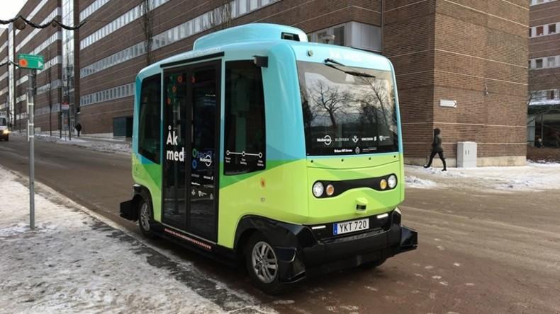 Stockholm setzt fahrerlosen Bus ein – fast fahrerlosen