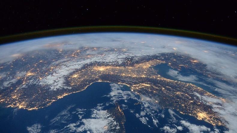 Shine bright: Neuseeländisches Raumfahrt-Startup schießt Glitzerkugel ins All