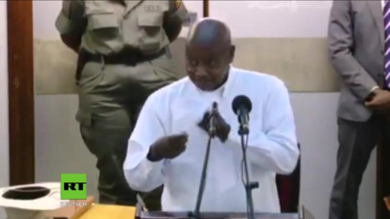 """""""Weil er offen zu Afrikanern spricht"""" - Ugandas Präsident liebt Trump für """"Drecksloch""""-Aussage"""