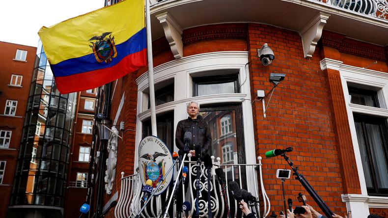 LIVE von der ecuadorianischen Botschaft in London: Wird Haftbefehl gegen Assange fallengelassen?