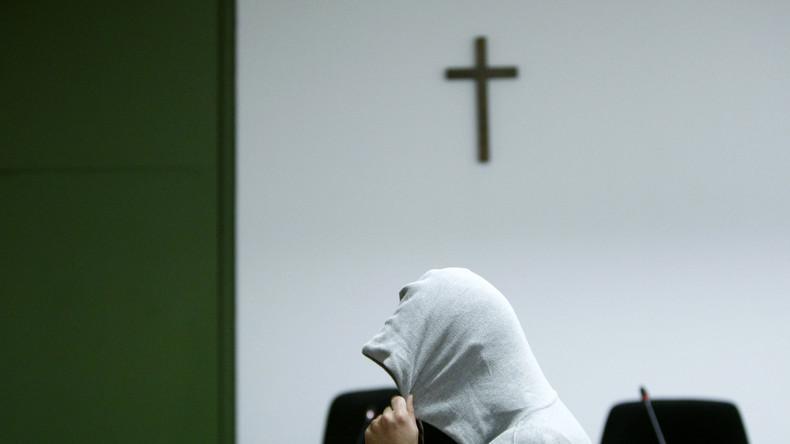 Kreuz für Prozess gegen Afghanen aus bayrischem Gericht verbannt